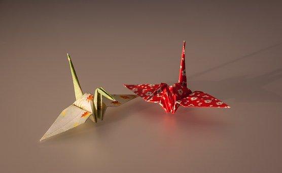 Grues en origami pour un rituel laique original