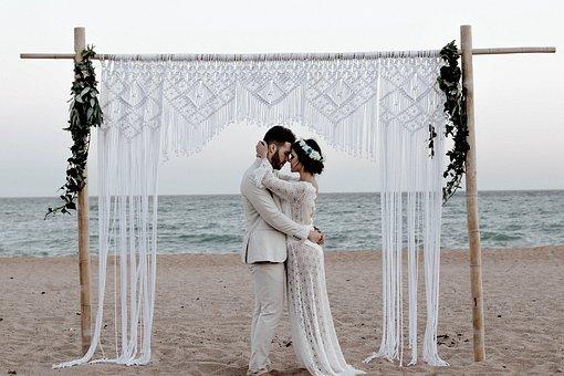 Un mariage romantique au bord de la mer